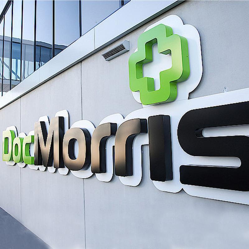 DocMorris Logo an einer Hauswand